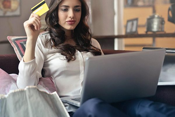 e-commerce industry is being revolutionised by social commerce